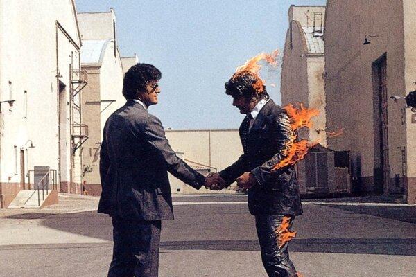 Z obalu albumu Pink Floyd: Wish You Were Here.