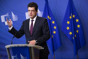 Eurokomisár pre krízové riadenie Janez Lenarčič.