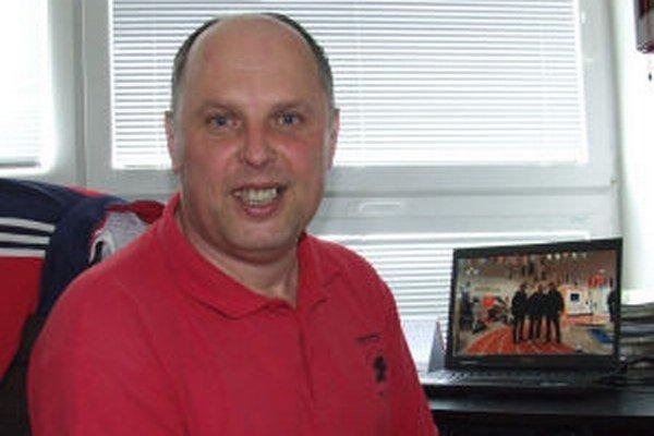 Štefan Muha, učiteľ telesnej výchovy, dostal mimoriadnu cenu.