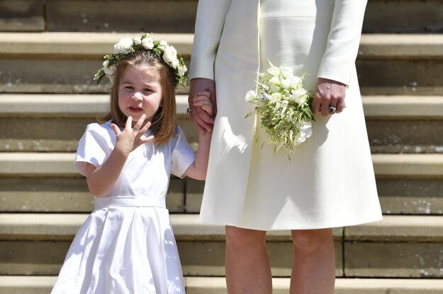 Ako družička na svadbe strýka Harryho s Meghan v máji 2018.