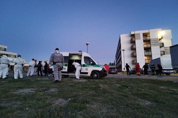 Zásah polície v karanténnom centre v Gabčíkove.