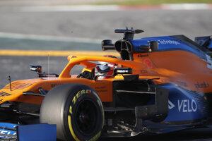 Carlos Sainz ešte v tíme McLaren.