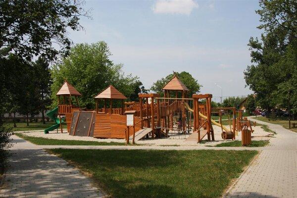 Detské ihrisko v Parku A. Bernoláka.