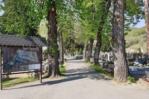 Vstup do mestského cintorína v Rožňave.
