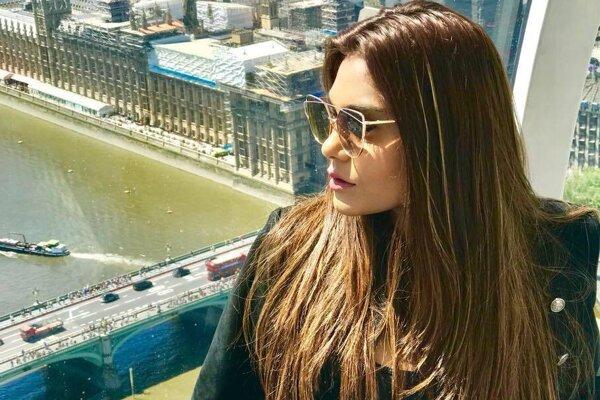 Modelka a herečka Zara Abidová.