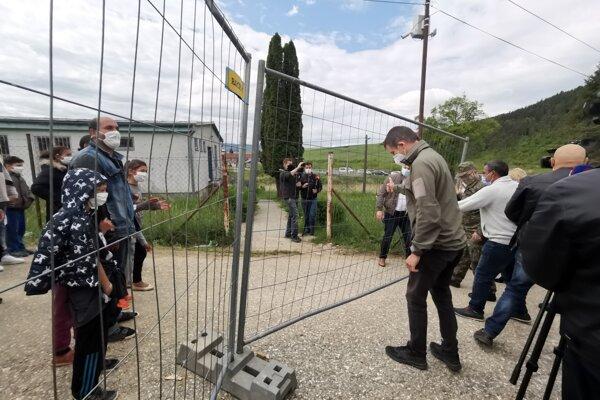 Brána karanténneho mestečka sa otvorila v sobotu dopoludnia.