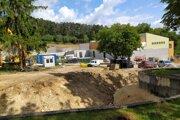 Výstavba nového pavilónu slonov.