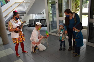 Zdravotní klauni v prešovskej detskej nemocnici.