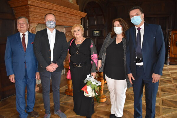 Manželia Eliška a Andrej Hanákovci oslávili zlatú svadbu.