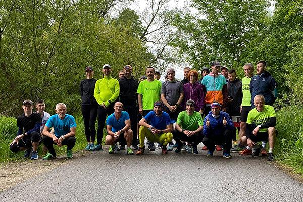 Účastníci Škorčích pretekov.