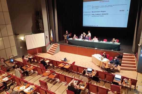 Rokovanie mestského zastupiteľstva v Prievidzi. ilustračné foto