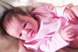 Veronika Jaššová (3300 g a 50 cm) sa narodila 21. mája o 9.30 hodine mamičke Zuzke a ockovi Jarkovi Jaššovcom. z Podlužian.