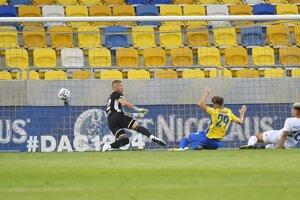 Michalovský brankár Kira inkasoval päť gólov.