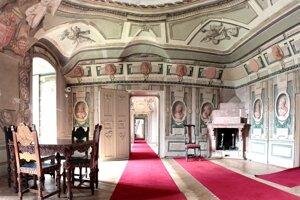 Pohľad na Izbu uhorských kráľov - pred reštaurovaním.