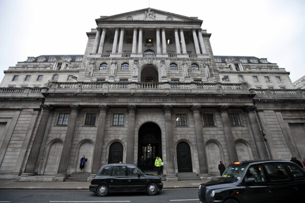 Pohľad na budovu Britskej centrálnej banky.