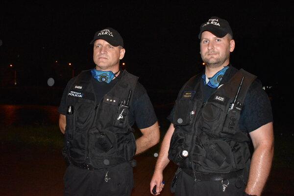 Záchrancovia. Miroslav Jevič (vľavo) a Tadeáš Nemčický.