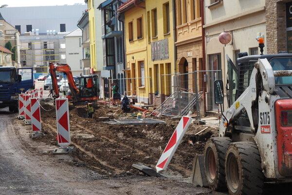 Oprava Jarkovej ulice, stav z júna 2020.