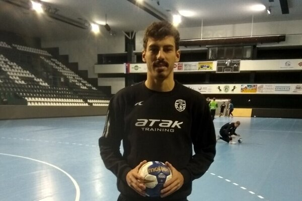 Brazílčan Pacheco sa nevie dostať z rodnej krajiny na Slovensko.