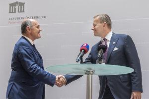 Predseda Národnej rady Rakúskej republiky Wolfgang Sobotka (vľavo) a vpravo predseda Národnej rady SR Boris Kollár.