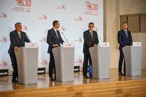 Zľava predseda vlády Maďarska Viktor Orbán, predseda vlády Poľska Mateusz Morawiecki, predseda vlády Česka Andrej Babiš a predseda vlády Slovenska Igor Matovič.