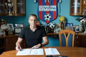 Ľuboš Benkovský je 17. trénerom v histórii FC ViOn.
