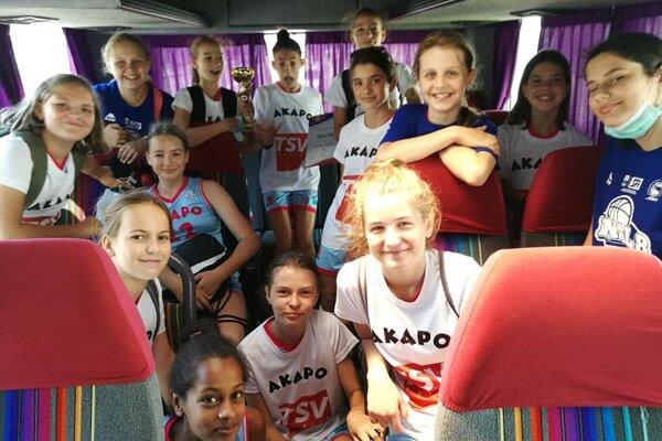 Dievčatá AKAPO Lučenec U12.