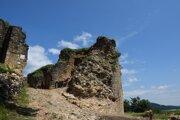 Vo vstupnom bastióne Divínskeho hradu objavili miestnosť, ktorú časom sprístupnia verejnosti.