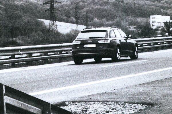 Rýchla jazda neunikla pozornosti polície.