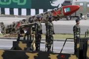 Pakistan má jadrové zbrane, oficiálne sa nimi bráni pred Indiou.