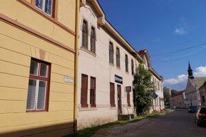 Historické budovy na Levočskej ulici by potrebovali opraviť.