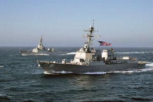 USS Pinckney.