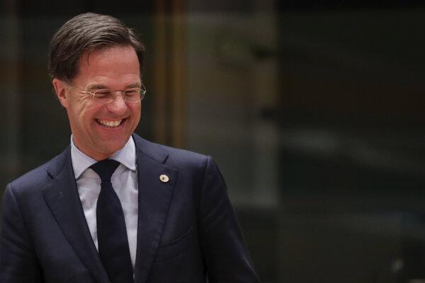 Mark Rutte rozdával do kamier úsmevy, v zákulisí bol však nekompromisný.
