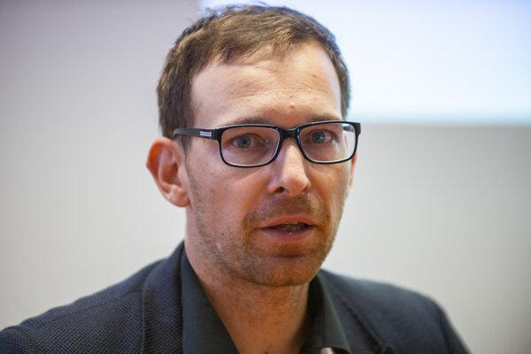 Analytik Inštitútu ekonomických a spoločenských analýz (INESS) Martin Vlachynský.
