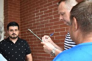 Počas akcie získali aktivisti okolo stovky podpisov.