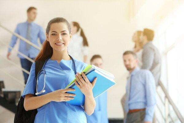 Medicína je pre študentov najlákavejšia.