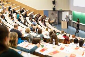 Prijímacie konanie na denné štúdium je otvorené vo viac ako 360 študijných programoch.