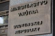 Na snímke nápis na budove, v ktorej sídli Ministerstvo vnútra SR na Pribinovej ulici v Bratislave.