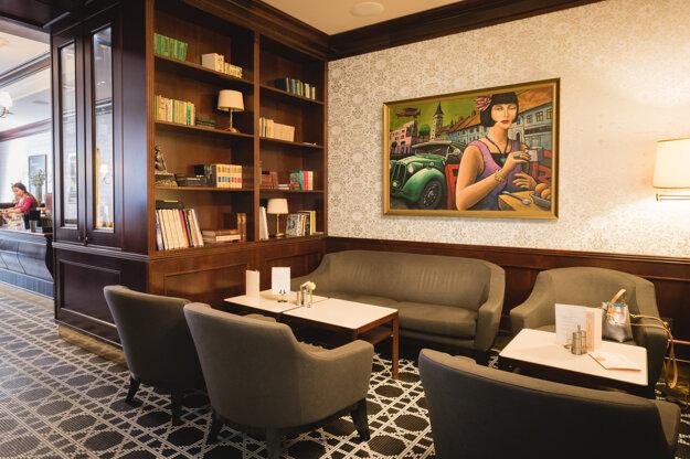 Interiér štýlovej talianskej kaviarne minulého storočia s veľmi príjemnou atmosférou - kaviarne Thalmeiner, Trnava