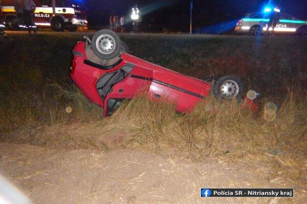 Opitý mladík spôsobil nehodu pri Bajči.