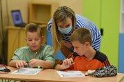 Nový koronavírus ovplyvní aj začiatok školského roka.