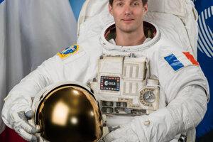 Astronaut Európskej vesmírnej agentúry Thomas Pesquet bude prvým Európanom, ktorý sa zúčastní misie SpaceX v lodi Crew Dragon.