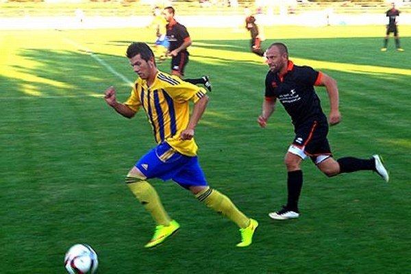 Vráble rozhodli zápas s Gabčíkovom v poslednej minúte. V žltomodrom drese Patrik Brath.