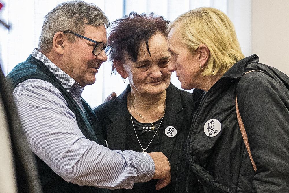 14. január 2020. Rodičia obetí: Jozef a Jana Kuciakovci a Zlatica Kušnírová.