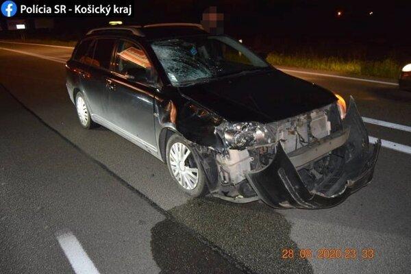 Chodkyňu zrazilo vozidlo značky Toyota.