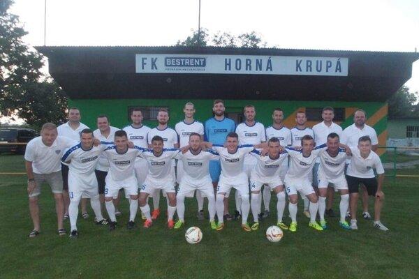 Tréner Zdenko Nádaský aj s mužstvom Hornej Krupej