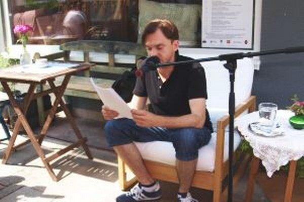 Úryvok z komiksovej knihy Rudo čítal Martin Šalacha z DAB.