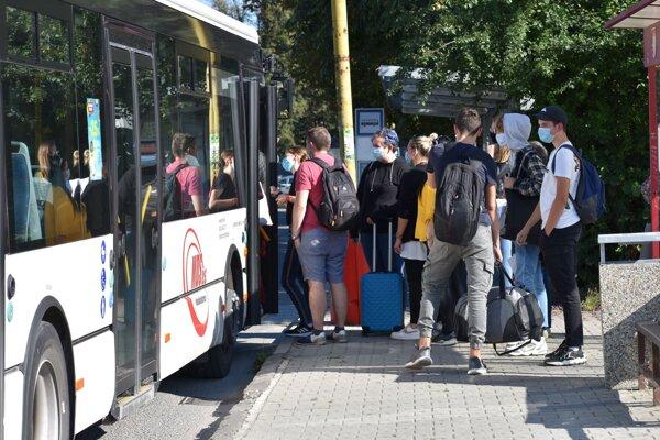 Hromadnú dopravu bude zabezpečovať mesto