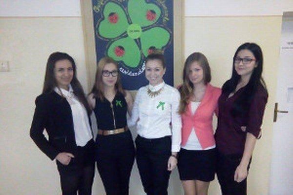 Maturantky z Obchodnej akadémie v Nitre.