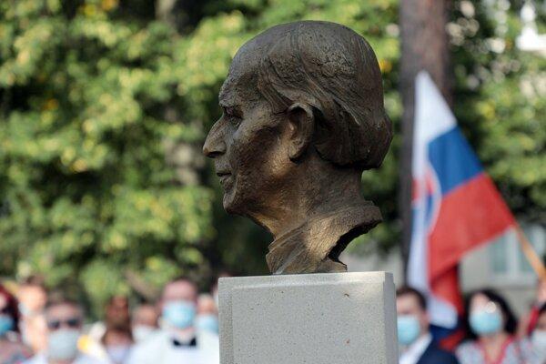 Andrej Hlinka má novú bustu na rohu Hlinkovej ulice.