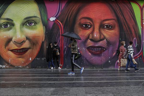 Ľudia s rúškami v Madride 18. septembra 2020.